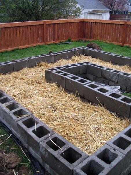 Concrete block raised garden bed ideas photograph raised b for Concrete raised garden bed designs